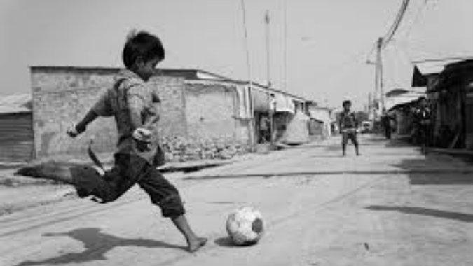 Τα παιδιά δεν προλαβαίνουν να ερωτευτούν το ποδόσφαιρο... - Football  Academies